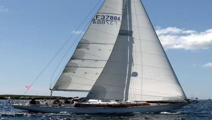 Yacht classique Gwennel