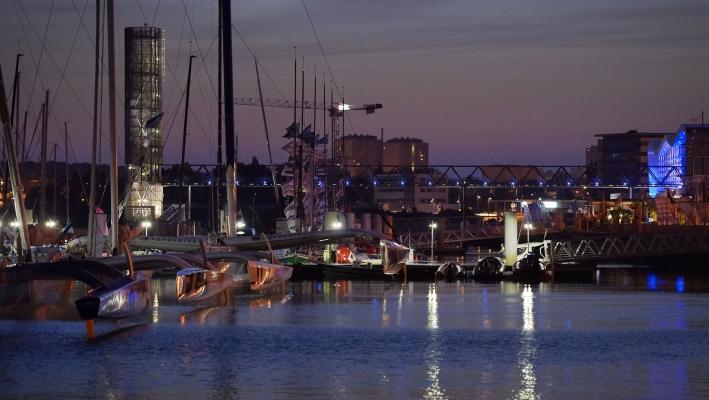 Manifestation nautique de nuit au port de Lorient Base de sous-marins